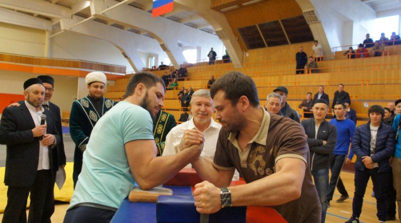 Мөселман яшьләренең татарча һәм кул көрәше буенча IX берләштерелгән турниры